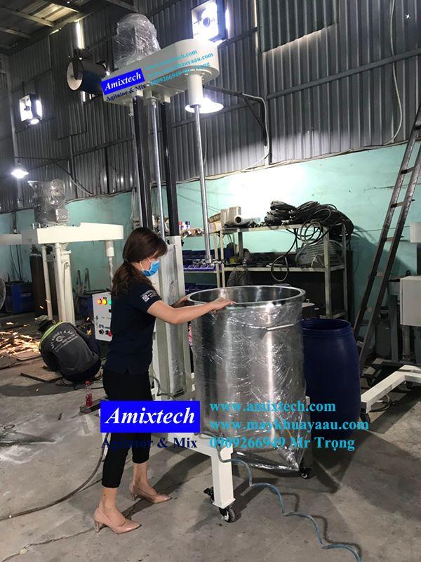 máy khuấy trộn sơn nước 200 lít