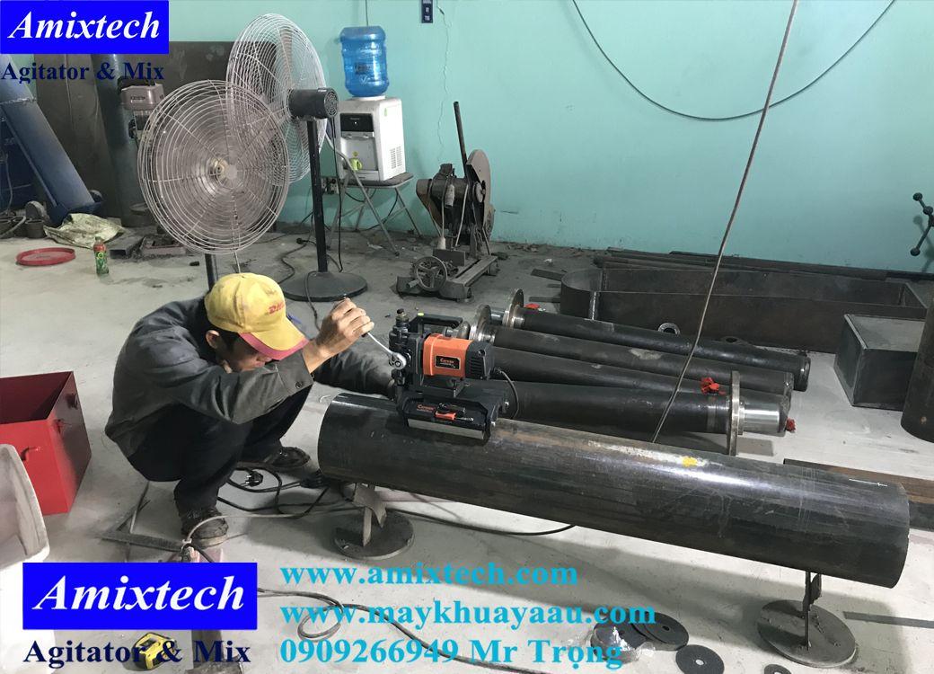 công đoạn sản xuất thân máy khuấy sơn